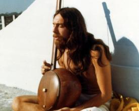 Krishna Das chanting and playing Ektar in India, early 1970s